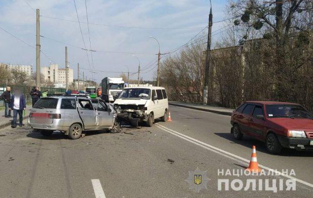 В результате аварии в Харькове погибли два человека