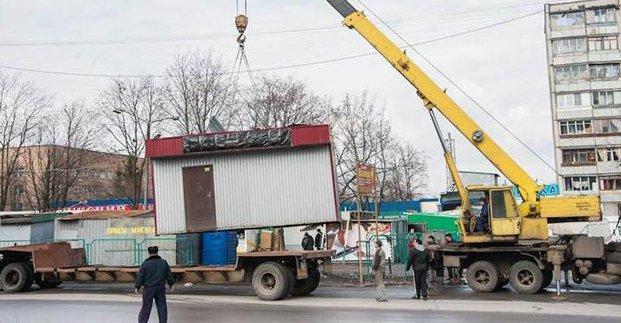 В Харькове демонтируют более 70 незаконных объектов