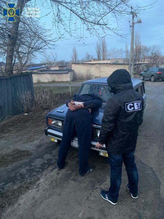 Главный инспектор Слобожанской таможни переправлял в РФ террористов и нелегалов - СБУ