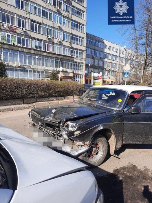 В Харькове очень пьяный водитель спровоцировал аварию