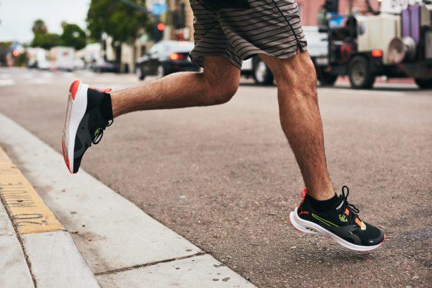 бег по улице, кроссовки puma