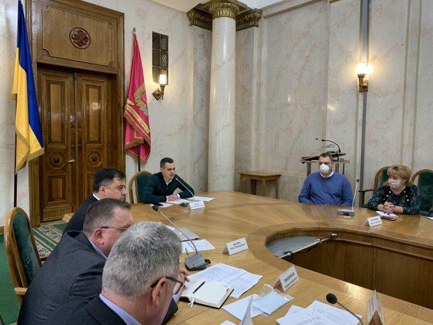 Кучер встретился с руководителями больниц Харькова и районов области, которые будут принимать пациентов с СOVID-19