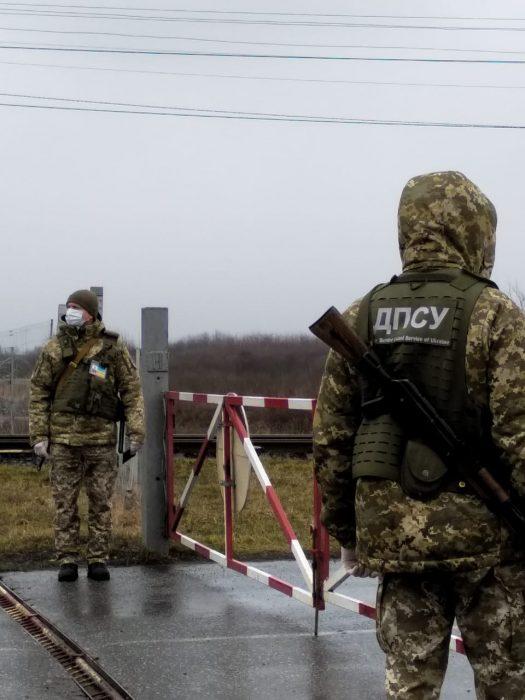 Не самоизолировались: на границе с Россией обнаружили двух нарушителей карантина
