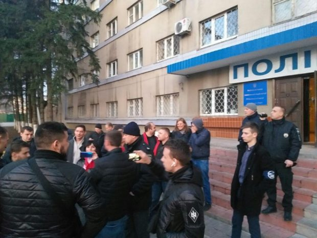 Нападение на агитаторов Шария в центре Харькова: полиция открыла уголовное производство