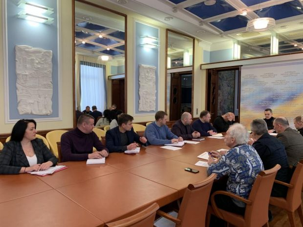 Кучер провел совещание по мерам безопасности при проведении выборов в 179-м округе во время карантина