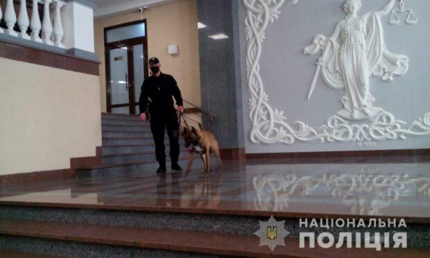 Информация о минировании здания в центре Харькова оказалась ложной