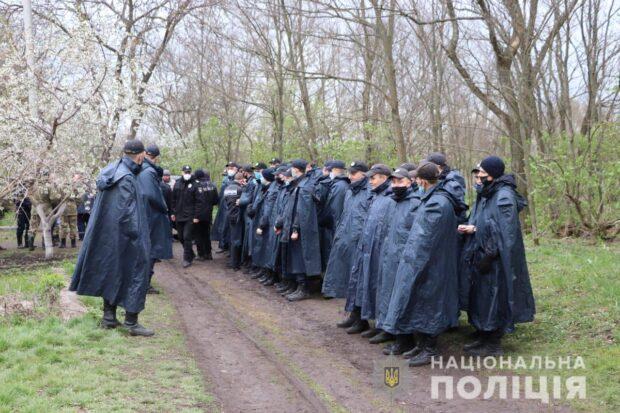 На поиски пропавшей девочки в Харьковской области привлекли около 500 человек
