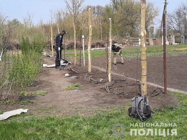 Под Харьковом пенсионерка подорвалась на собственном огороде