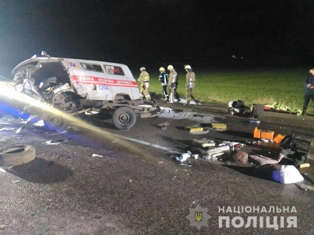 На Окружной дороге столкнулись Daewoo и автомобиль скорой помощи: три человека погибли