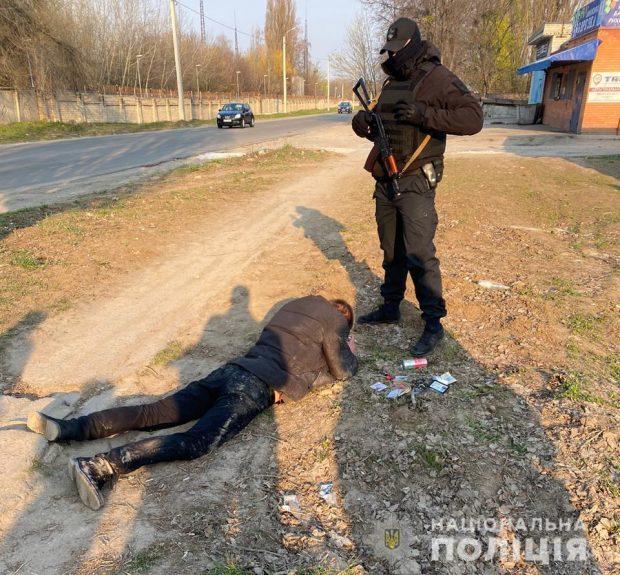Среди подрывников банкомата на Алексеевке экс-патрульний, который ранее с коллегами шантажом отобрал авто у харьковчанина