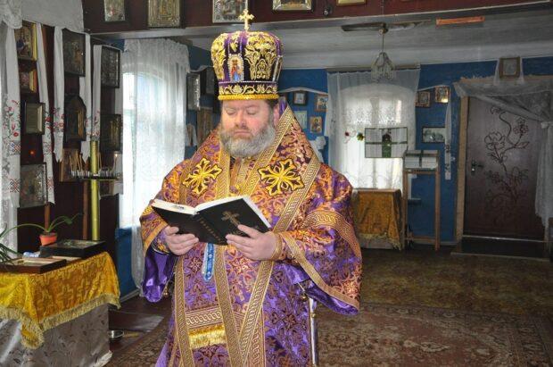 Харьковская епархия ПЦУ призывает не ходить в церковь и оставаться дома