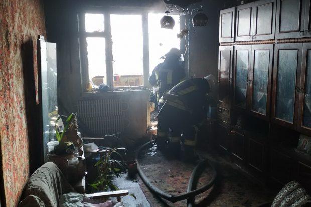 В Харькове горел балкон девятиэтажного дома: мужчина отравился угарным газом