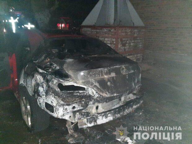 Полицейские Харькова задержали мужчину за поджог автомобиля