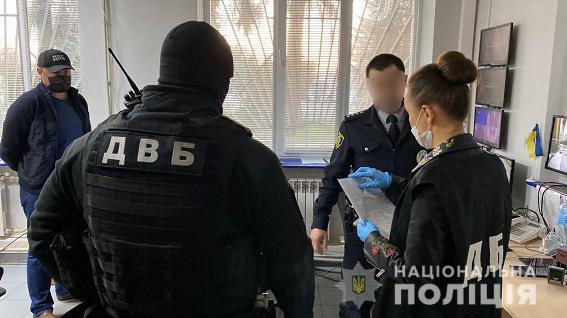 На Харьковщине полицейские «крышевали» группу «черных лесорубов»