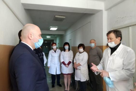 Больницу в Змиевском районе, где 11 медиков заразились COVID-19 планируют закрыть