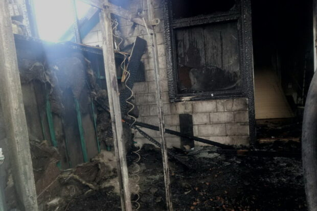 Под Харьковом мужчина самостоятельно пытался потушить пожар в доме и получил 80% ожогов тела