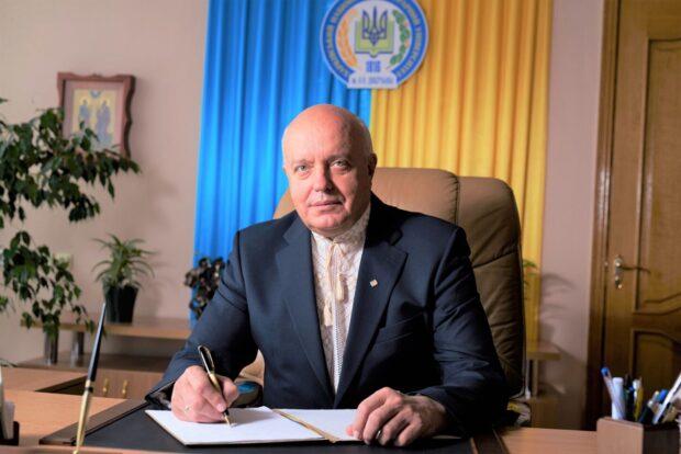 Полицейские задержали ректора харьковского ВУЗа за вымогательство и получение 300 000 гривен взятки