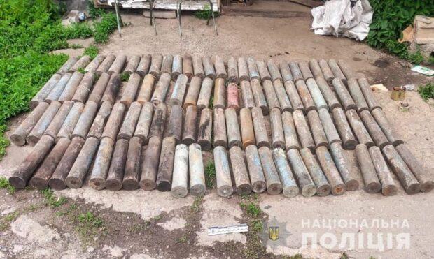 На Харьковщине у мужчины в гараже обнаружили боеприпасы Второй мировой войны
