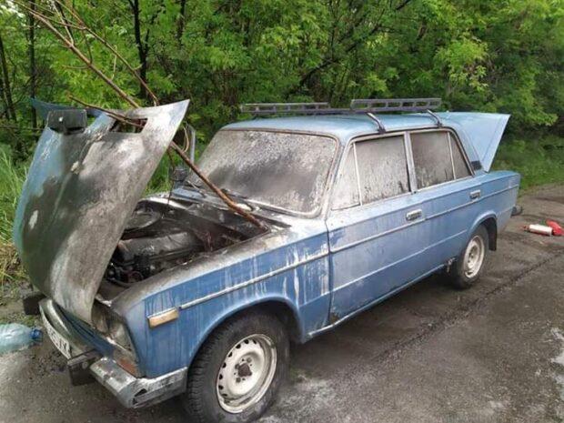Под Харьковом на ходу загорелся автомобиль