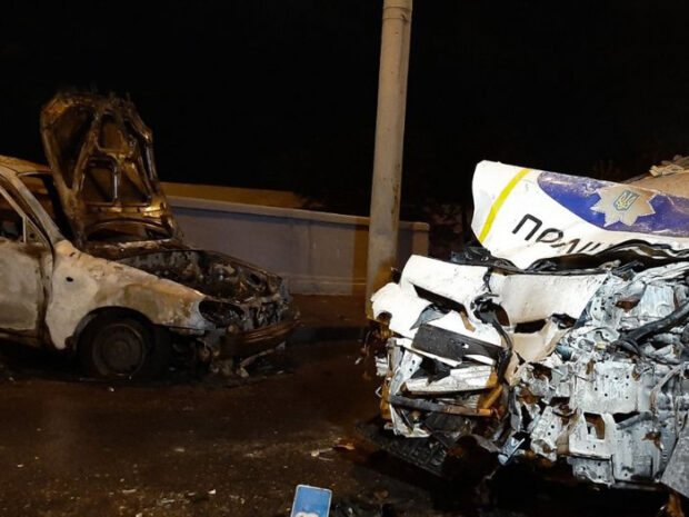 В Харькове в результате столкновения с патрульной Toyota Prius взорвался автомобиль: есть погибшие