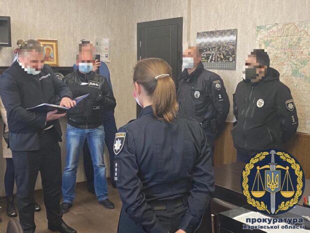 В Харькове патрульные с помощью эвакуатора угнали и продали автомобиль - прокуратура