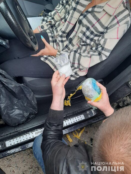 В Харькове 23-летнюю девушку подозревают в организации наркобизнеса