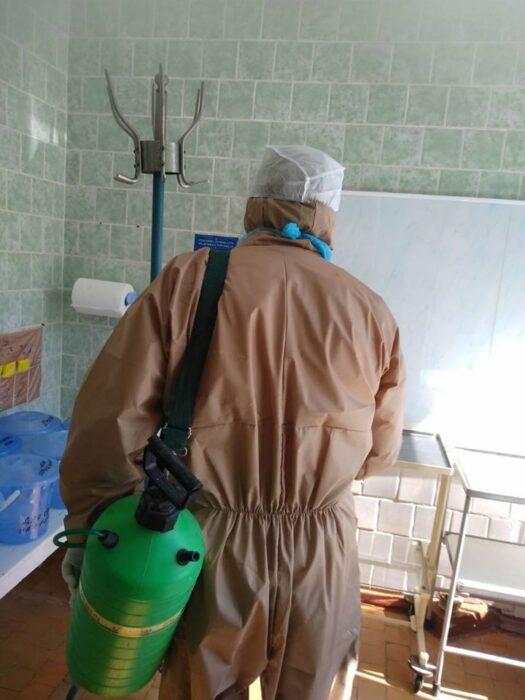 Под Харьковом в детской поликлинике медперсонал заболел коронавирусом: больницу закрыли на карантин