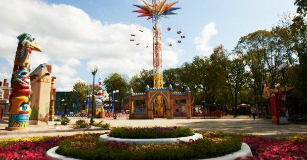 В парке Горького обустраивают инклюзивную детскую площадку