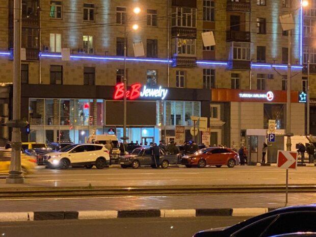 """В Харькове требуют закрыть магазин """"B2B Jewelry"""" и вернуть деньги"""