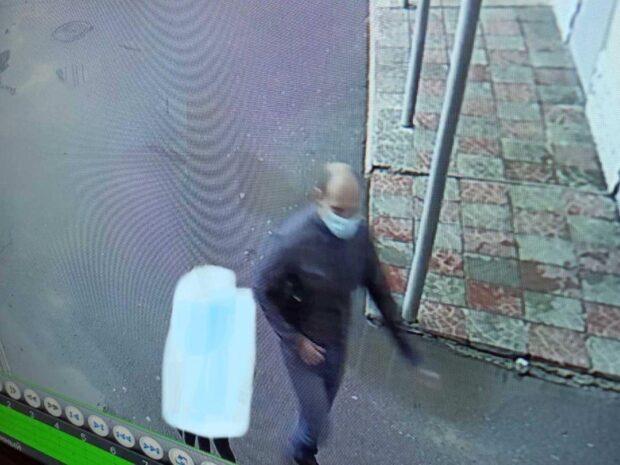 В Харькове мужчина пытался приставать к ребенку
