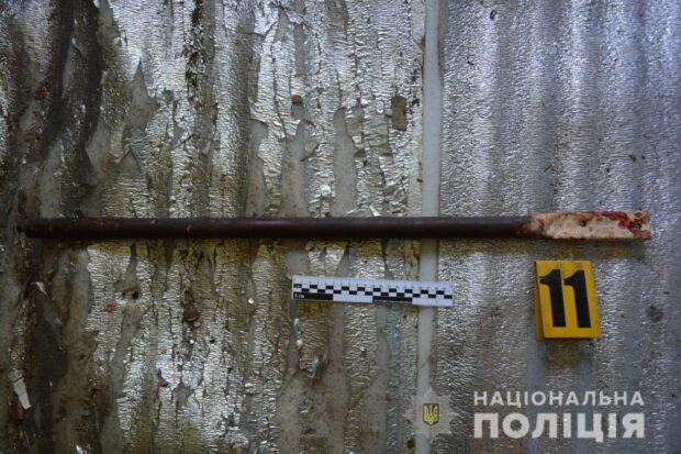 Под Харьковом мужчина в результате ссоры ударил товарища металлической трубой по голове