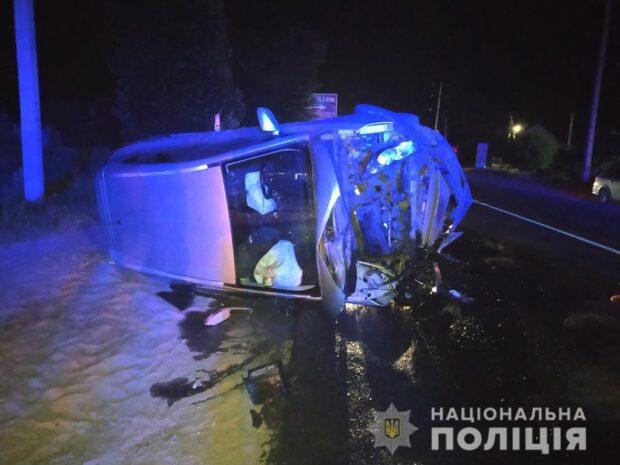 Под Харьковом 18-летняя девушка не справилась с управлением, вылетела на встречку и протаранила автомобиль