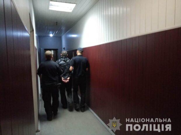 Под Харьковом в лесном массиве изнасиловали женщину