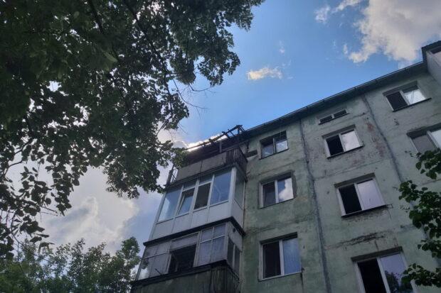 На Новых Домах из горящей квартиры вывели маленького ребенка