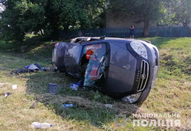 В результате автокатастрофы под Харьковом погиб пассажир автомобиля