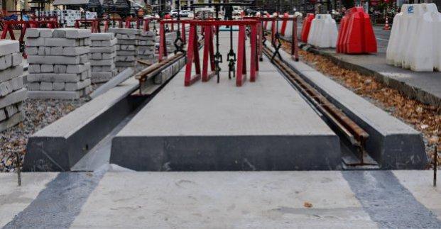 Возле Журавлевского гидропарка реконструируют трамвайные пути