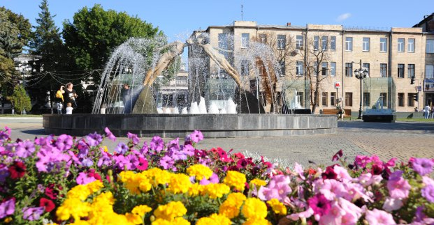 Завтра в Харькове - до 31 градуса тепла, местами дождь и град