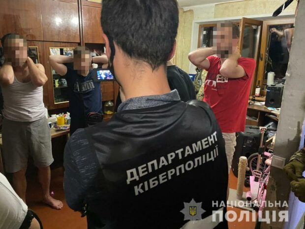 Правоохранители Харькова разоблачали группу мошенников, которые оформляли кредиты на других людей