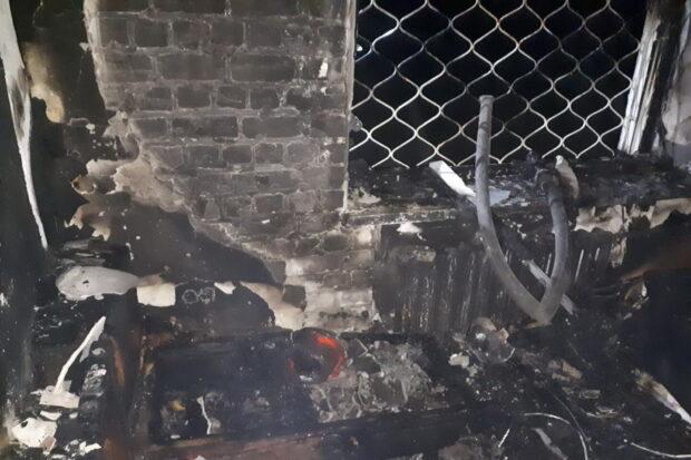 В Харькове горел пятиэтажный дом: пожарные эвакуировали пять человек