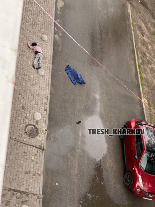 В Харькове женщина с ребенком выпали из окна многоэтажки - соцсети