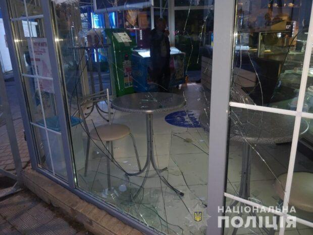"В Харькове 16-летний рецидивист ограбил ""Кулиничи"""