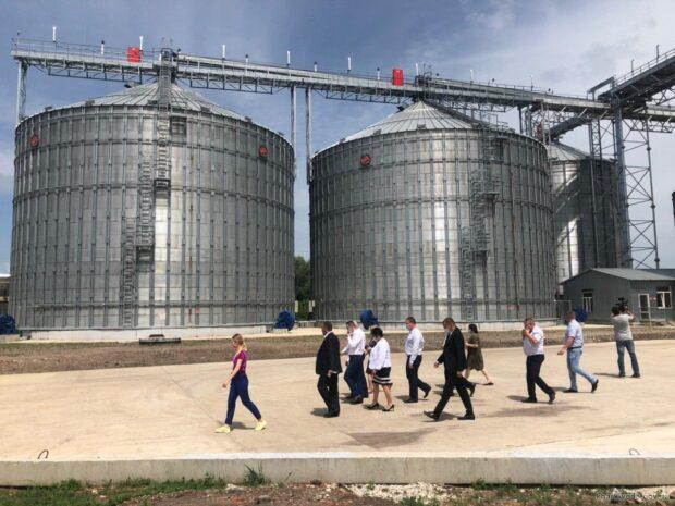 В Барвенковском районе построили элеватор мощностью 25 тысяч тонн