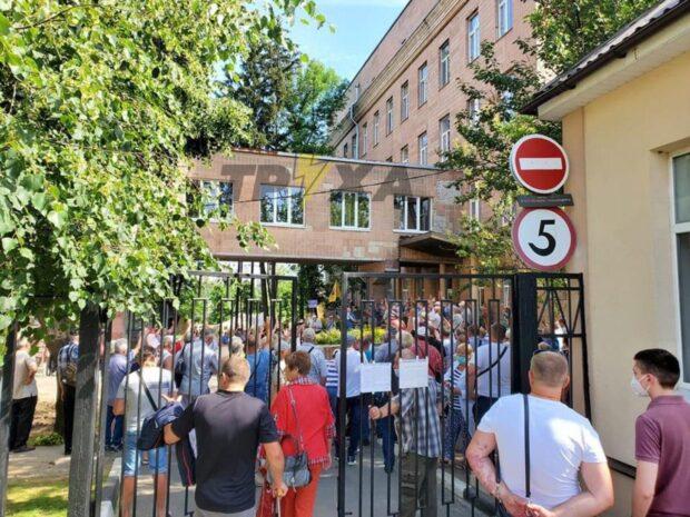 В Харькове заблокировали больницу для приема зараженных COVID-19