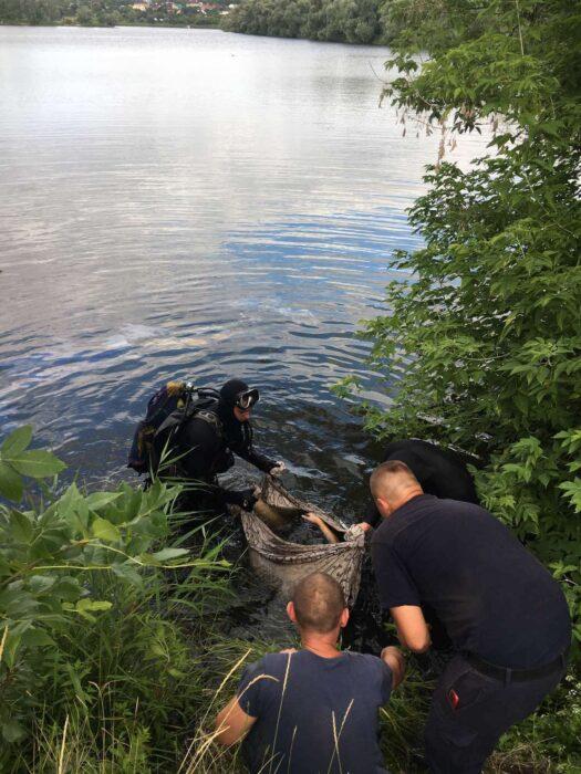В Харькове подросток упал с дамбы и утонул