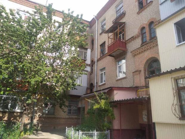 В Харькове горела дверь квартиры: спасатели эвакуировали 5 человек