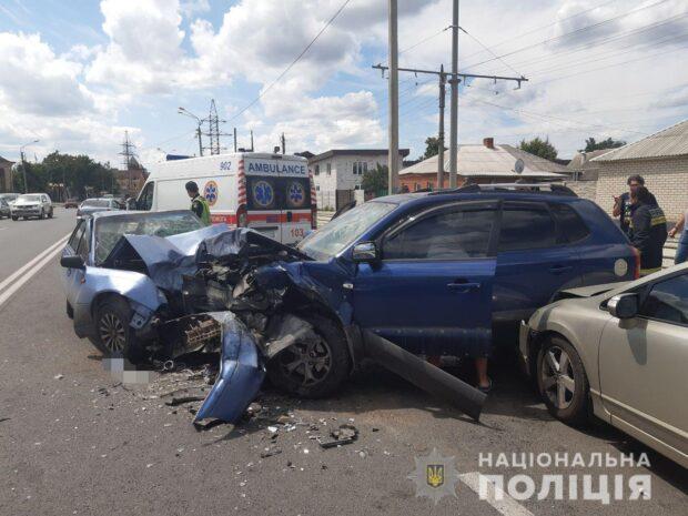 В Харькове в результате аварии в больницу попали трое взрослых и двое детей