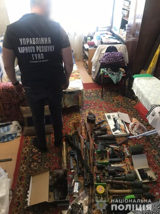 Полицейские изъяли у харьковчанина арсенал оружия