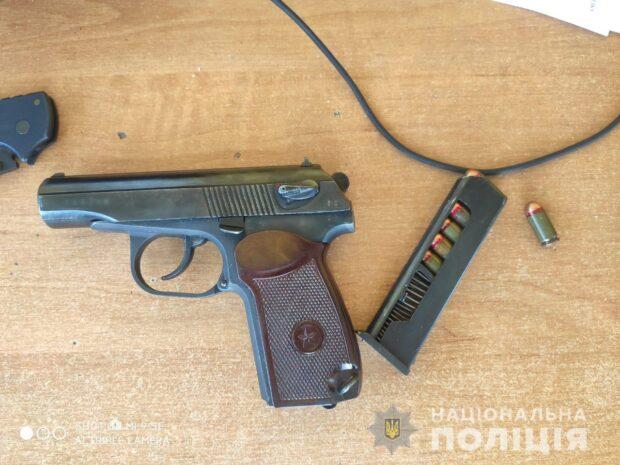 На Харьковщине полицейские изъяли оружие у гражданина Российской Федерации