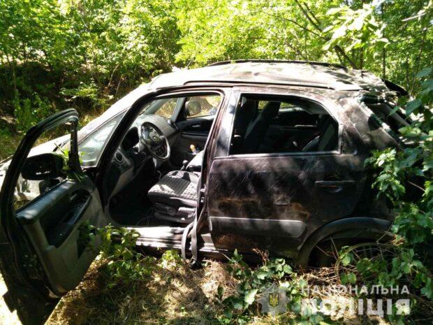 Под Харьковом автомобиль вылетел в кювет: в больницу попали четверо людей