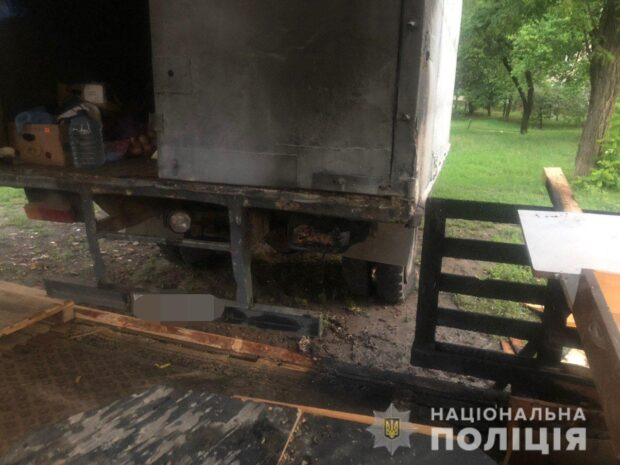 В Харькове мужчина пытался сжечь продуктовую палатку